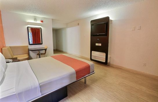 Hall MOTEL 6 DALLAS - ADDISON