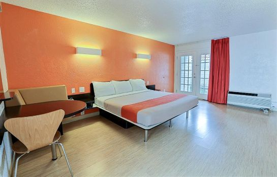 Camera MOTEL 6 DALLAS - ADDISON