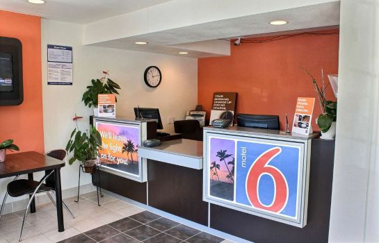 Hotelhal MOTEL 6 PASO ROBLES