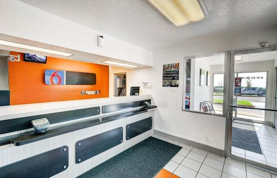 Lobby MOTEL 6 DENVER - THORNTON