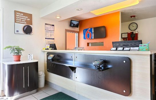 Hall MOTEL 6 IDAHO FALLS