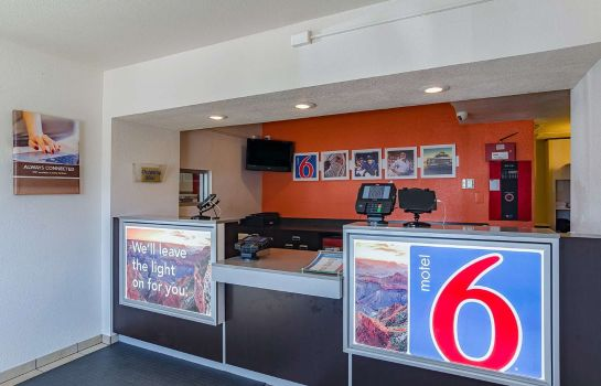 Hall MOTEL 6 CHEYENNE WY