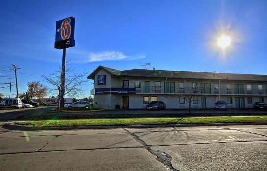 Vista exterior MOTEL 6 DETROIT NORTHEAST - MADISON HEIG