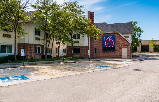 Vista esterna MOTEL 6 CHICAGO NORTH CENTRAL-ARLIN