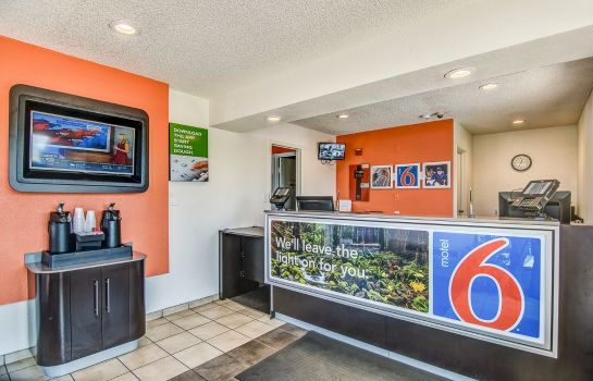 Hall MOTEL 6 STOCKTON-CHARTER WAY WEST
