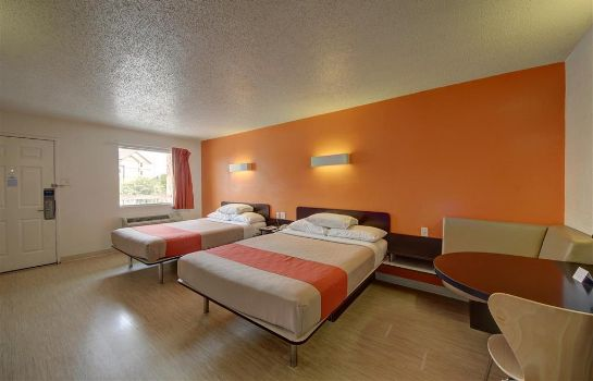 Zimmer MOTEL 6 SAN ANTONIO DOWNTOWN