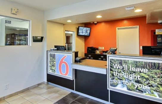Hall Motel 6 Palmdale