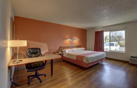 Zimmer MOTEL 6 IRVINE ORANGE CO AIRPORT