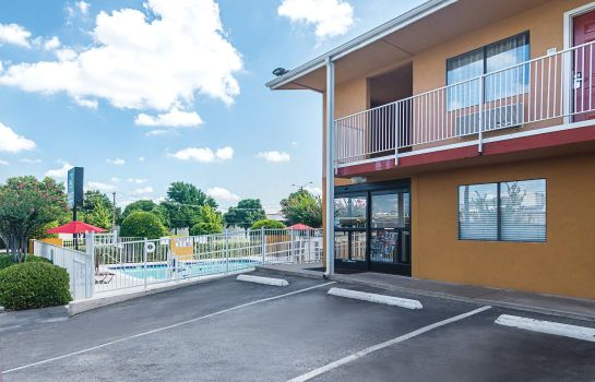 Exterior view Quality Inn & Suites Six Flags Area