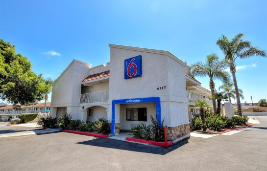 Exterior view MOTEL 6 CARLSBAD EAST CA