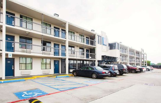 Buitenaanzicht MOTEL 6 HOUSTON RELIANT PARK