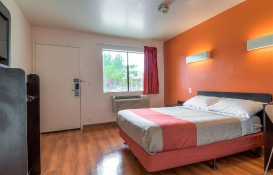 Zimmer MOTEL 6 TEMECULA - HISTORIC OLD TOWN