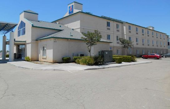 Exterior view MOTEL 6 LEMOORE