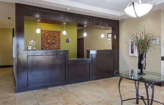 Hol hotelowy RODEWAY INN AND SUITES WINNFIELD