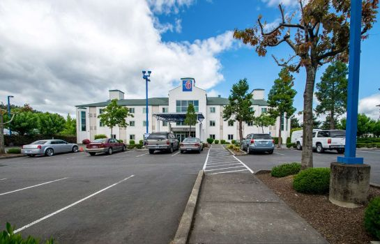 Vista exterior MOTEL 6 PORTLAND NORTH