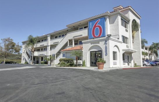 Buitenaanzicht MOTEL 6 LOS ANGELES-BELLFLOWER