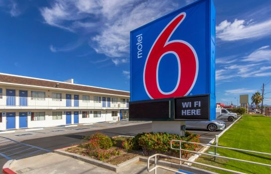 Buitenaanzicht MOTEL 6 PHOENIX NORTH BELL ROAD