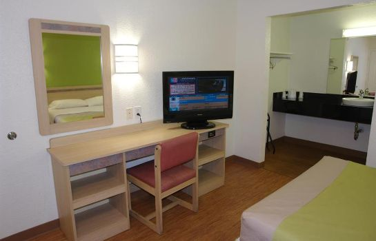 Info MOTEL 6 DALLAS - IRVING