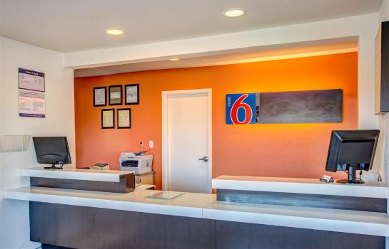 Hall MOTEL 6 MURFREESBORO TN