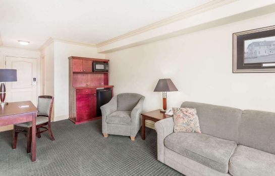 Suite RAMADA HINTON