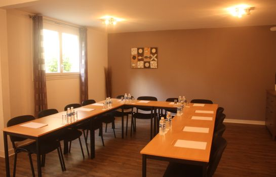 Meeting room Latitude Ouest Logis