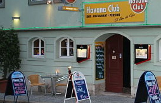 Buitenaanzicht Havana Club und Pension