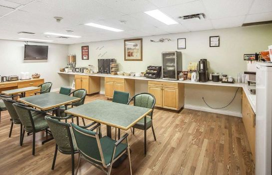 Restaurante Econo Lodge & Suites