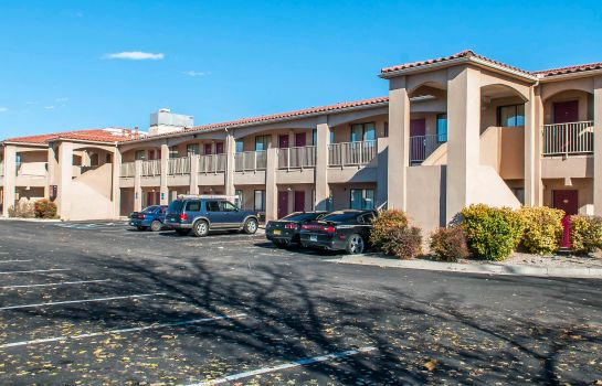 Buitenaanzicht Econo Lodge West - Coors Blvd