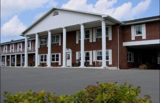 Exterior view THE BICENTENNIAL INN