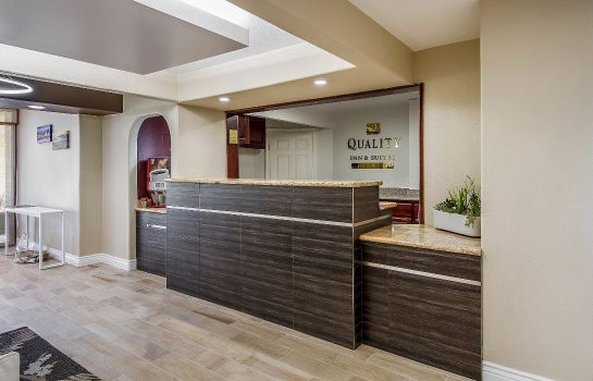 Lobby Quality Inn and Suites Capitola By the S Quality Inn and Suites Capitola By the S