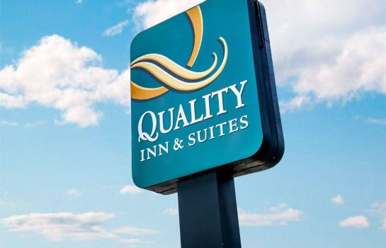 Buitenaanzicht Quality Inn & Suites North