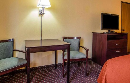 Zimmer Quality Inn Central Wisconsin Airport