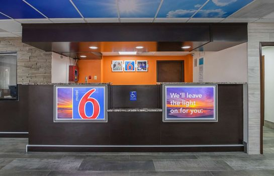 Hall Motel 6 Savannah Midtown