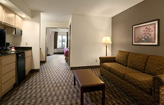 Zimmer Ramada by Wyndham Canton/Hall of Fame