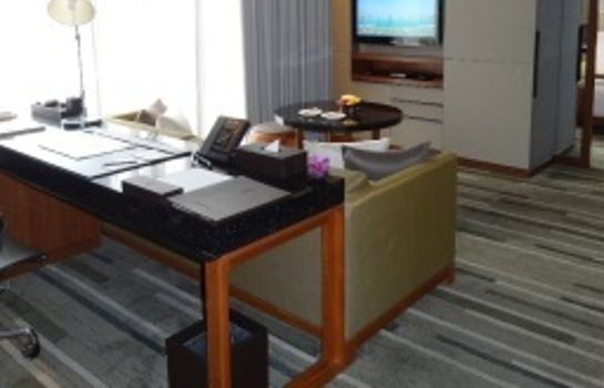 Suite Junior Hansar Bangkok Hotel