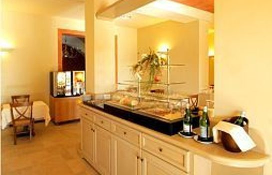 Buffet prima colazione Poggio all'Agnello Country & Beach Residential Resort