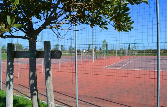 Campo da tennis Poggio all'Agnello Country & Beach Residential Resort