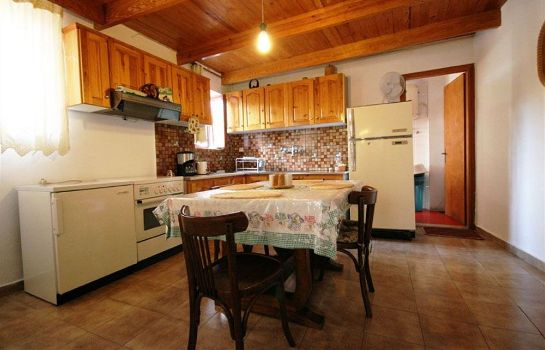 Kitchen in room Kasteli Studios & Apartments