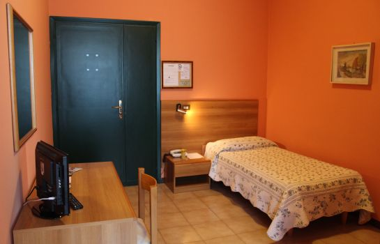 Single room (standard) Hotel Salus