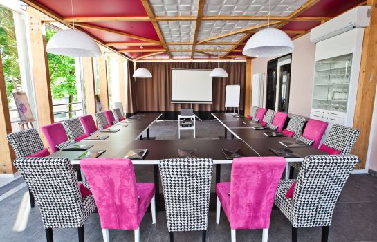 Meeting room Platinum Palace Residence Boutique Hotel