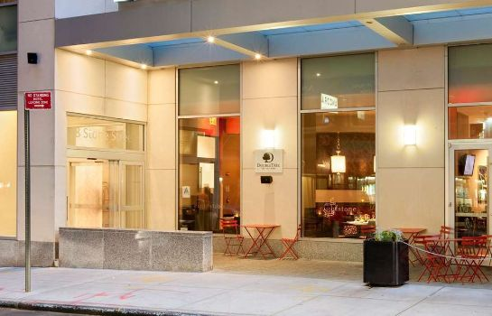 Vista exterior DoubleTree by Hilton New York City - Financial District