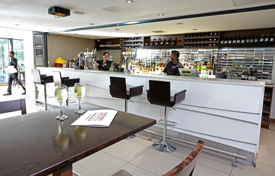 Hotel bar Holiday Inn BRISTOL CITY CENTRE