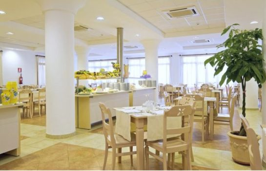 Restaurant Cala della Torre All rates include fullboard