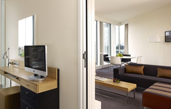 Suite DTbH Amsterdam Centraal Station