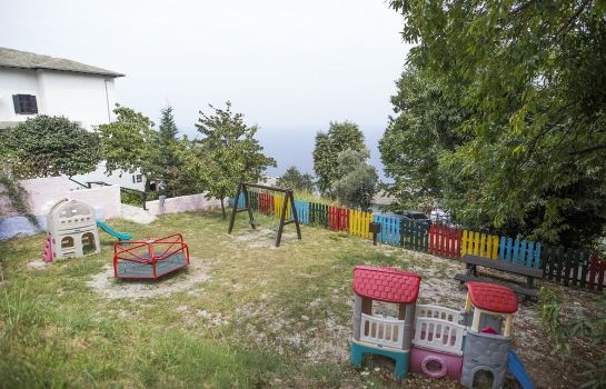 Garden Pilio Holiday Club