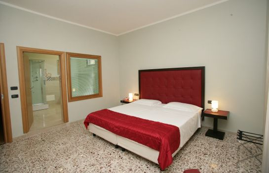 Double room (superior) Piazza Marconi