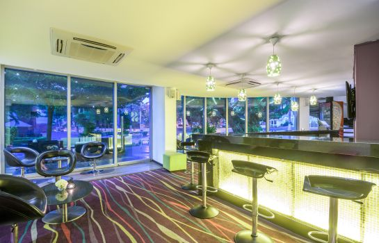 Hotel bar NH Collection Barranquilla Smartsuites Royal