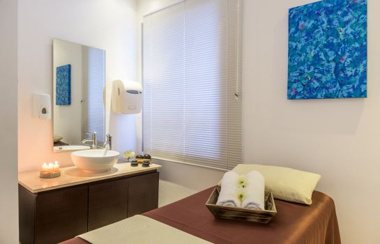 Massage room NH Collection Barranquilla Smartsuites Royal