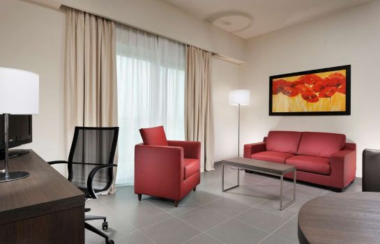 Suite Tulip Inn Naples Airport
