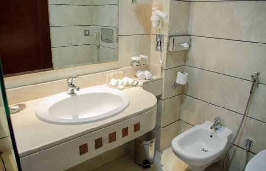 Cuarto de baño City Seasons Hotel Muscat